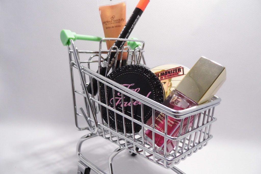 shopping 2415820 1280 e1612628699847 Pilah Pilih Belanja Make-up